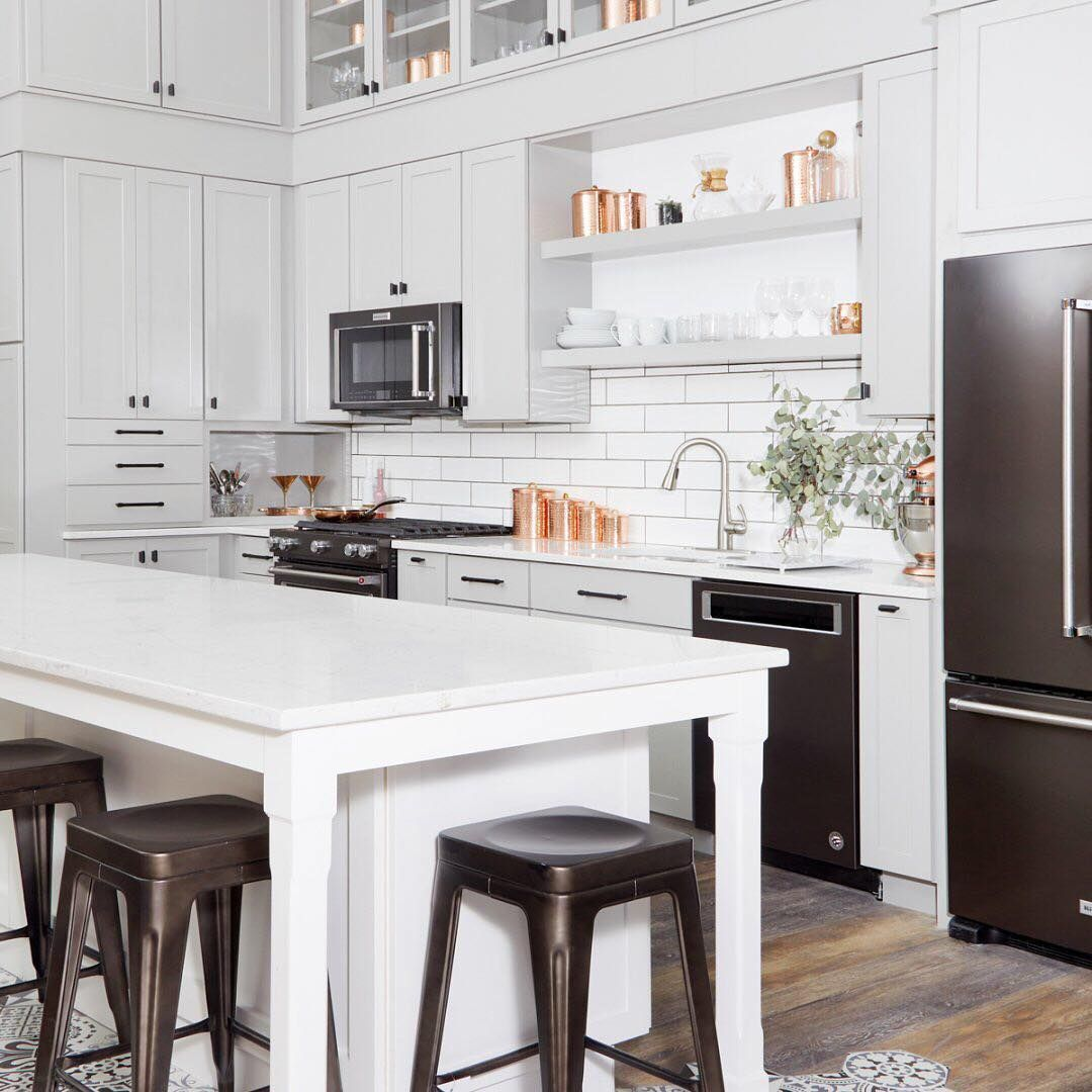 If You Re In Nyc Stop By The Holiday Home Dominopopup In Partnership With Dominomag And Furnished By The Home Depot Open Th Kitchen Remodel Home Home Decor