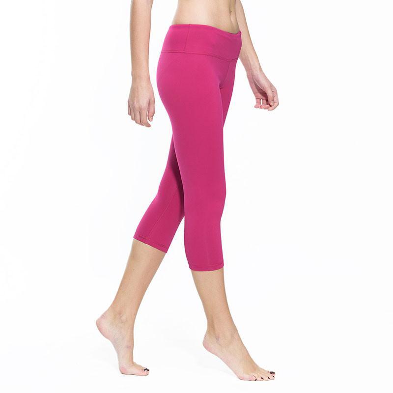 Skinny Capri Yoga Pants - The GNG Collections #yogapants