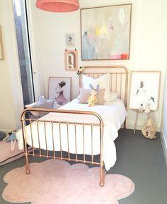 Best floor decor ever | RUGS.   See more: http://kidsbedroomideas.eu/100-kids-bedroom-ideas/?utm_source=MixRedes-Março17-&utm_medium=banner-ebook&utm_content=100-kids-bedroom-ideas&utm_campaign=BlogsProdutoDivisao