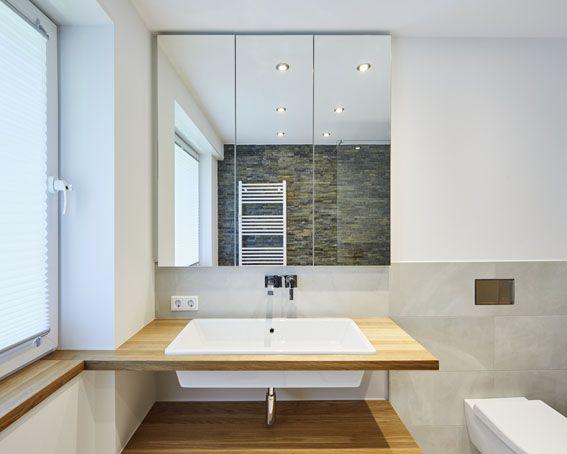 Badezimmer Toilette Waschtisch Waschbecken Spiegelschrank