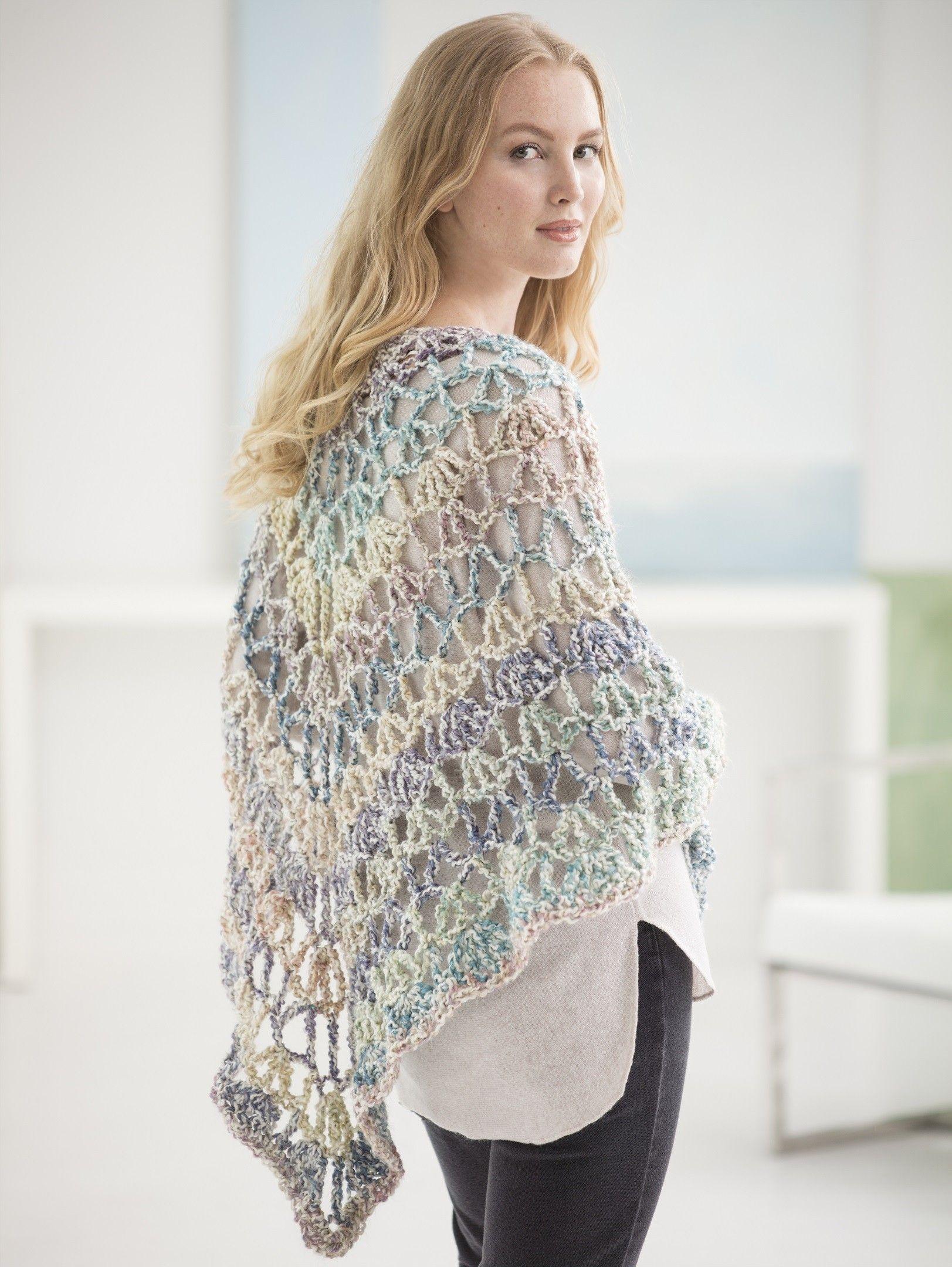 Triangle Shawl: FREE crochet pattern   Crochet   Pinterest   Ponchos ...