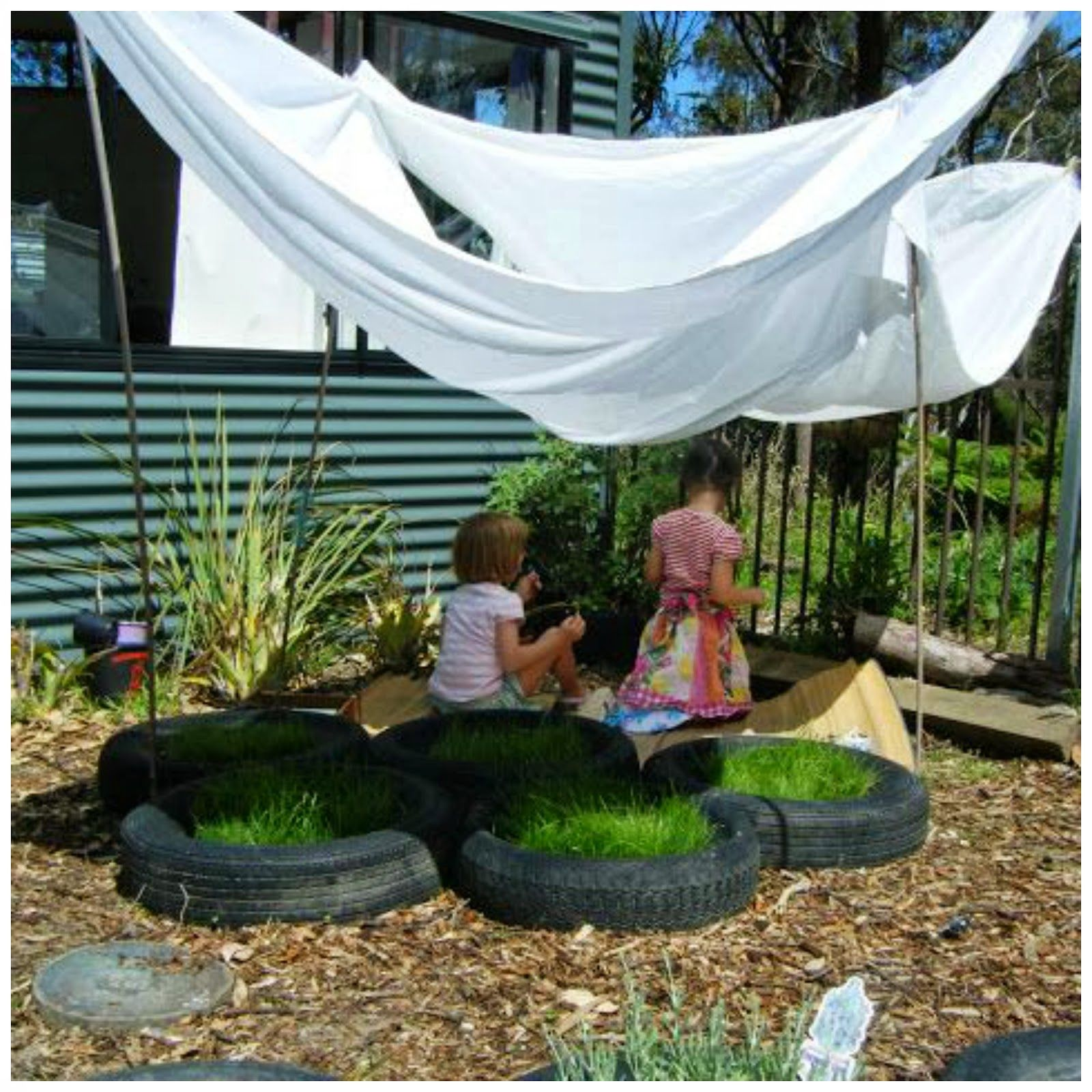 let the children play natural outdoor play areas and