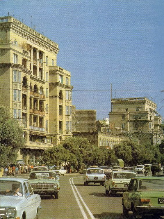 9bce30abdbc63987f2466a4f076069d8 Jpg 564 750 Baku City Baku Azerbaijan Baku