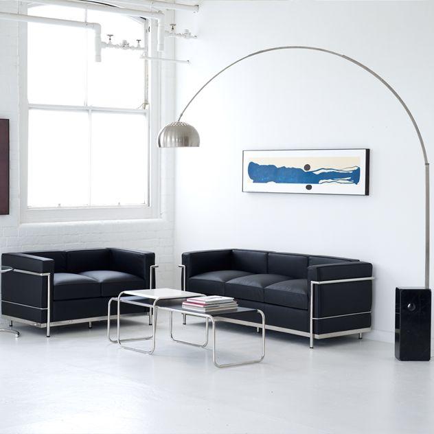 Schön LC2 Sofas Kombiniert Mit Der Arco Bogenleuchte Www.modecor.de/Le Corbusier
