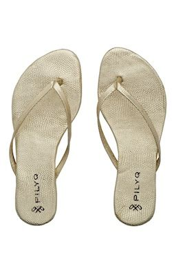 Solid Gold Sandals by Pily Q Swimwear at Pesca Trend**2012 Collection*.great sandal in gold color you con wear all day Made by Pily Q Swimwear. NOVEMBER 2O11 DELIVERY