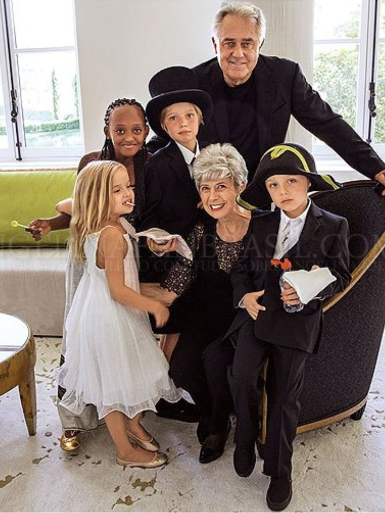 Angelina Jolie And Brad Pitt Wedding Grandpas Pitts