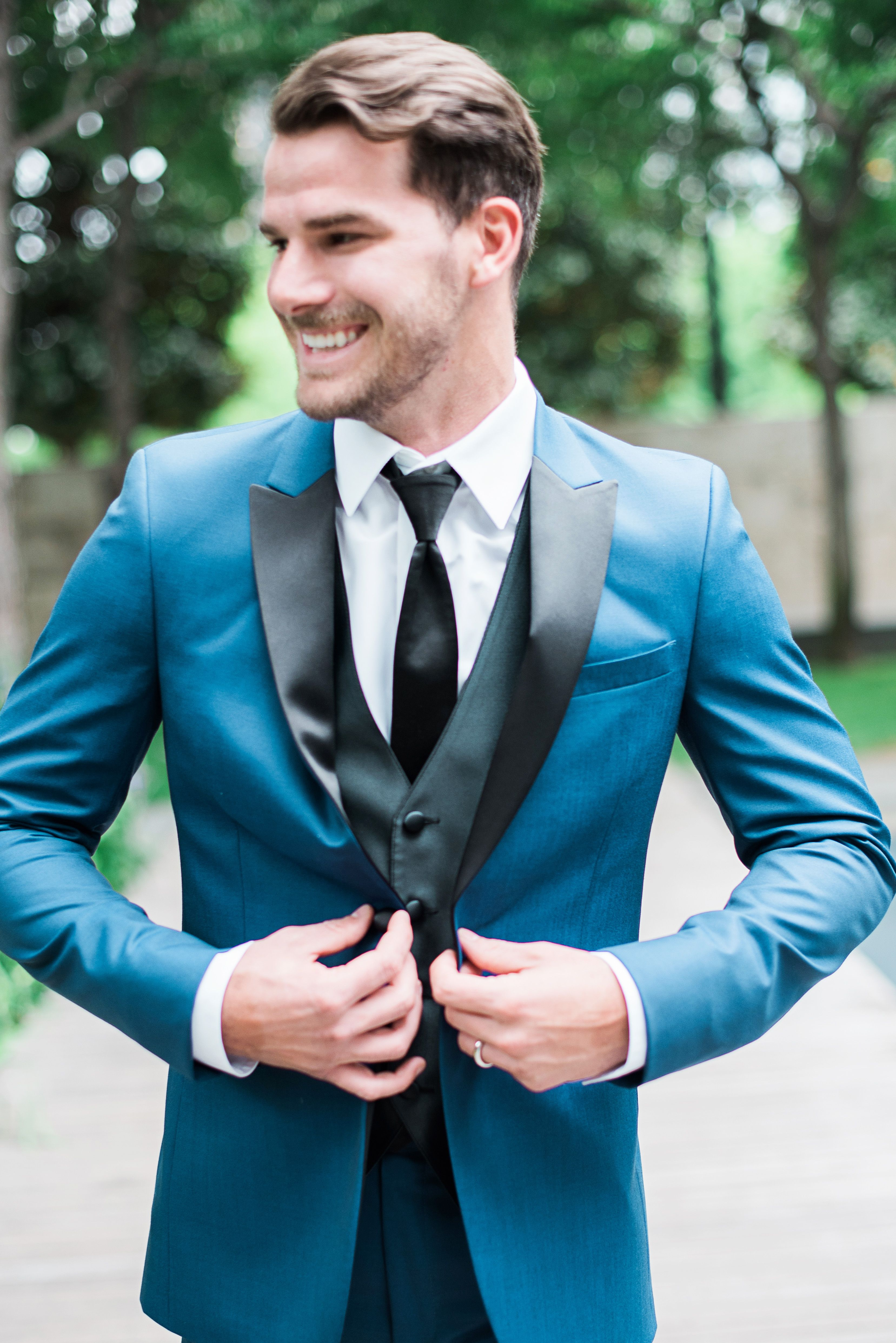 Modern Downtown Dallas Wedding Vibes by Rachel Elaine Photography ...