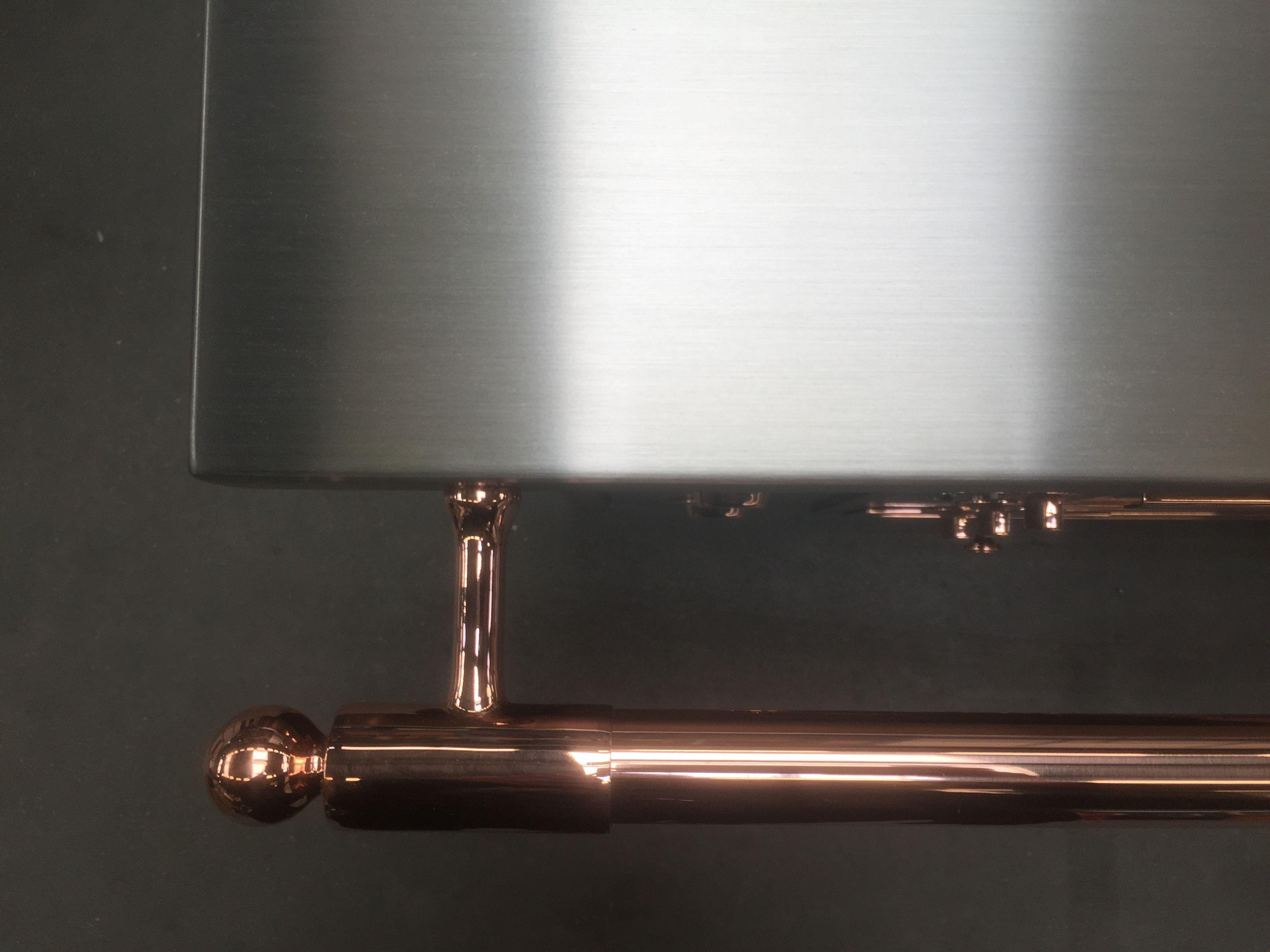 Detail D Une Barre A Torchon Cuivre La Cornue Sur Un Plan De