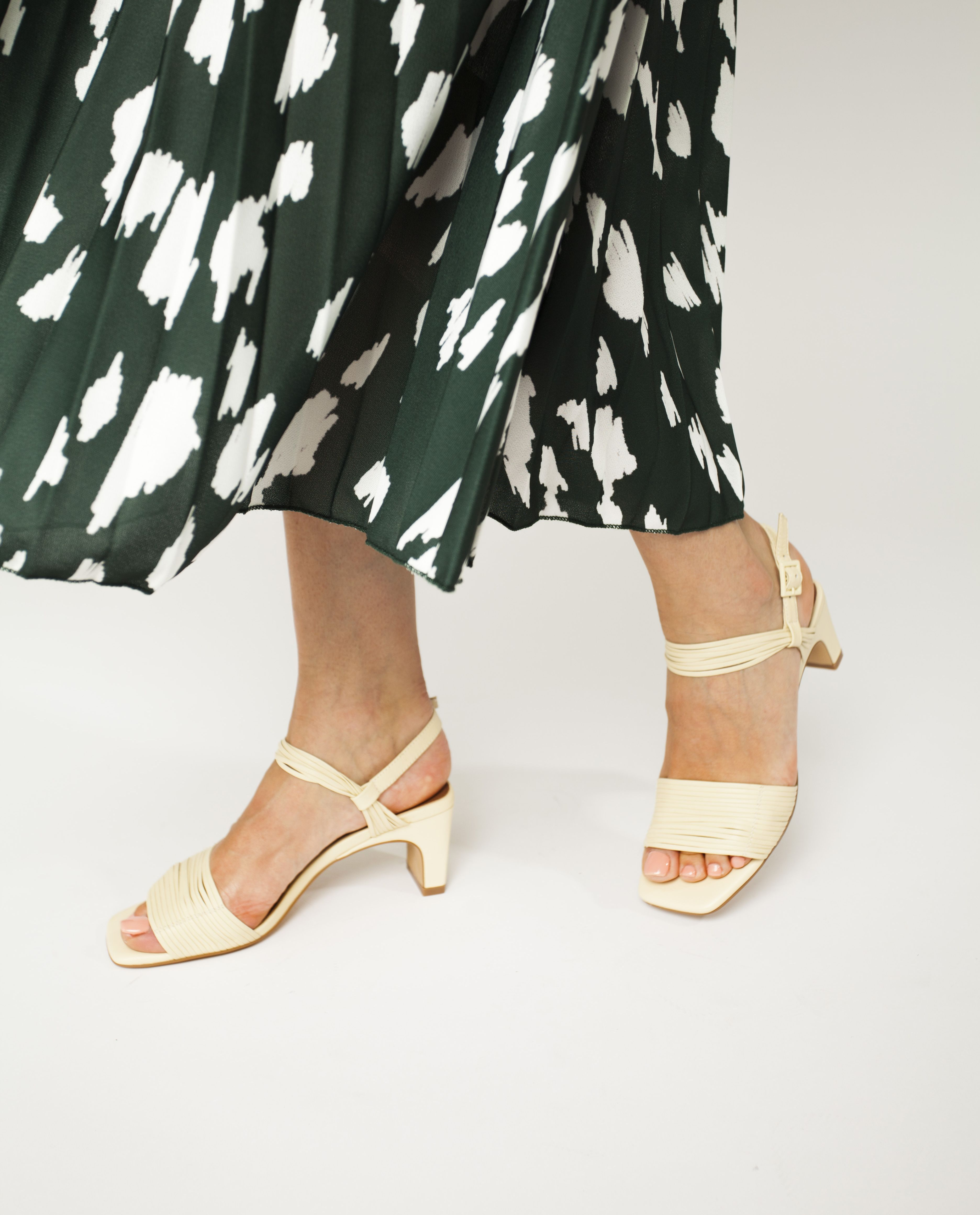 Vivian Heels Heels Ankle Strap Leather Sandals