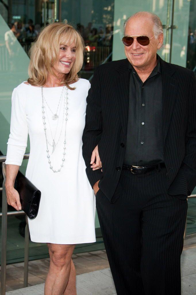 8-27 in 1977: Jimmy Buffett marries his second wife, Jane Slagsvol ...