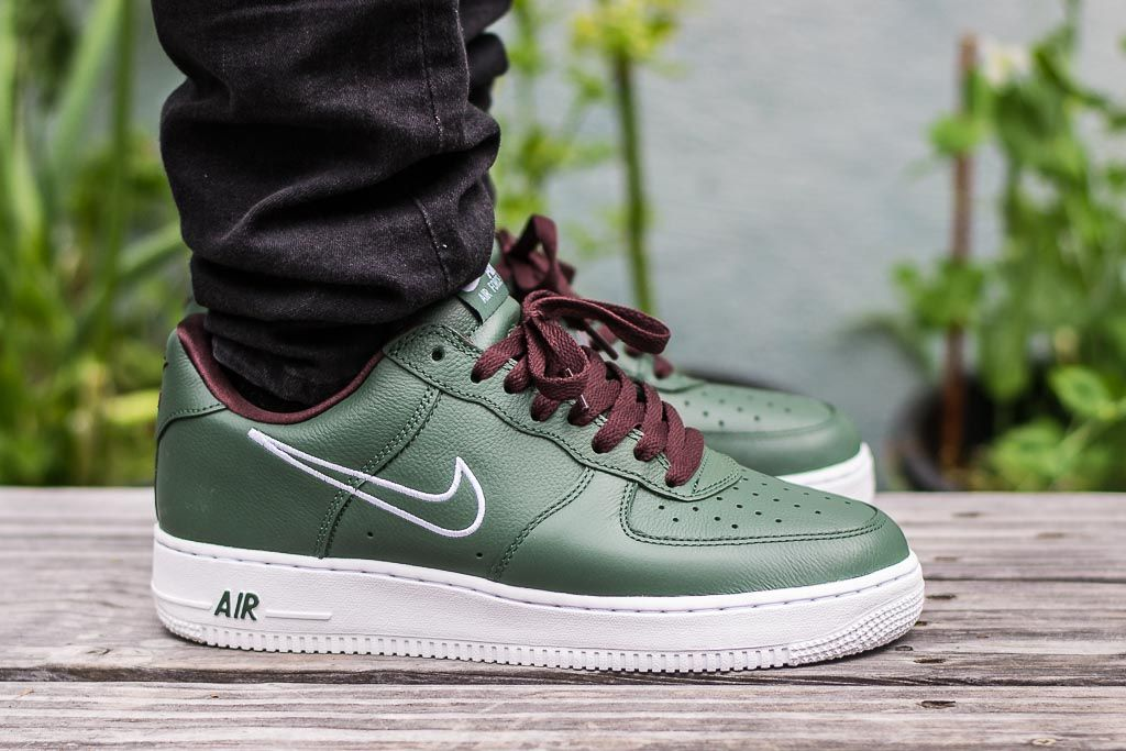 wholesale dealer 71361 18135 See how the Nike Air Force 1 Hong Kong looks on feet in this exclusive  video review. Get a link to where you can buy these Air Force 1s Online!