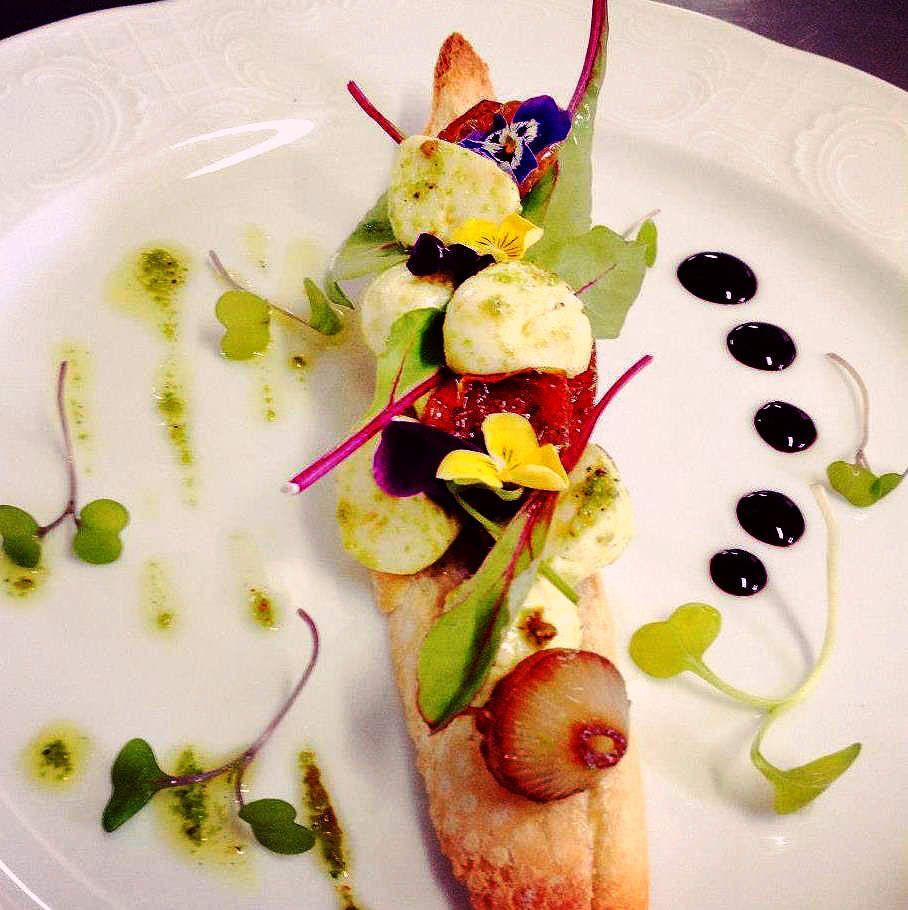 Visions gourmandes apprenons l 39 art de dresser de belles - Dressage des plats en cuisine ...