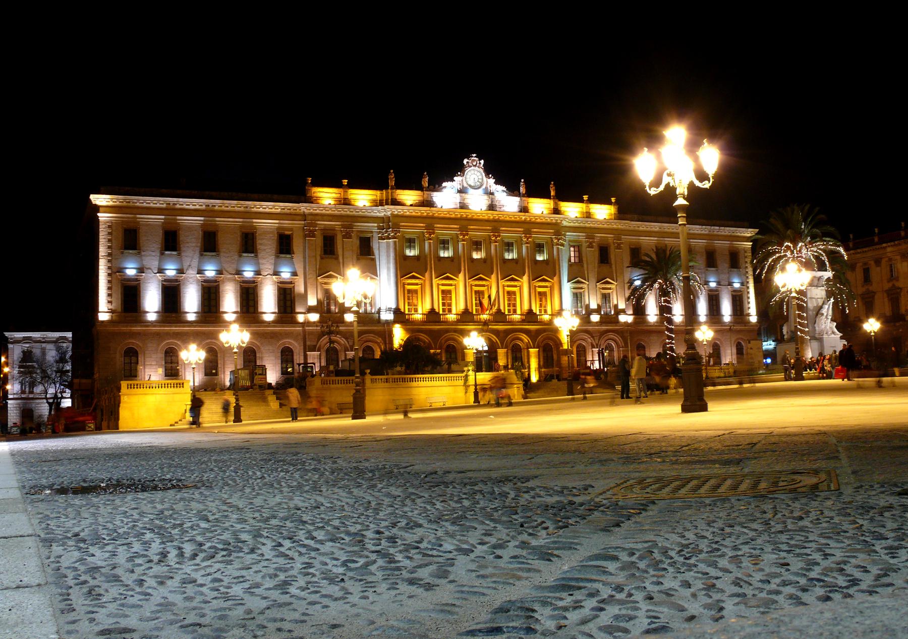 piazza d'Italia al centro della città.