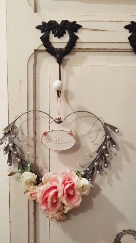 magnifique couronne de no l dans un esprit shabby chic accessoires de maison par les. Black Bedroom Furniture Sets. Home Design Ideas