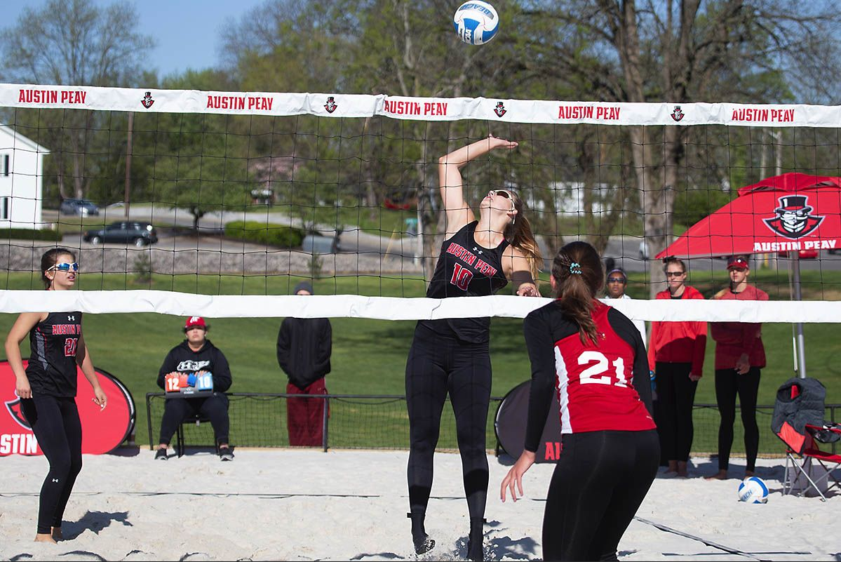 Apsu Beach Volleyball Defeats Jacksonville State Morehead State At Ohio Valley Challenge Clarksville Tn Online Beach Volleyball Jacksonville State Volleyball