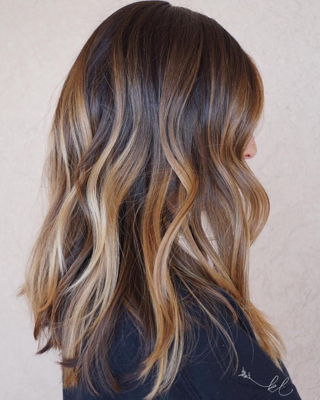 70 Flattering Balayage Hair Color Ideas for 2019 #caramelbalayage