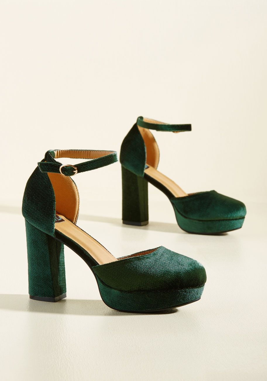 Go With the Stride Velvet Heel in Pine