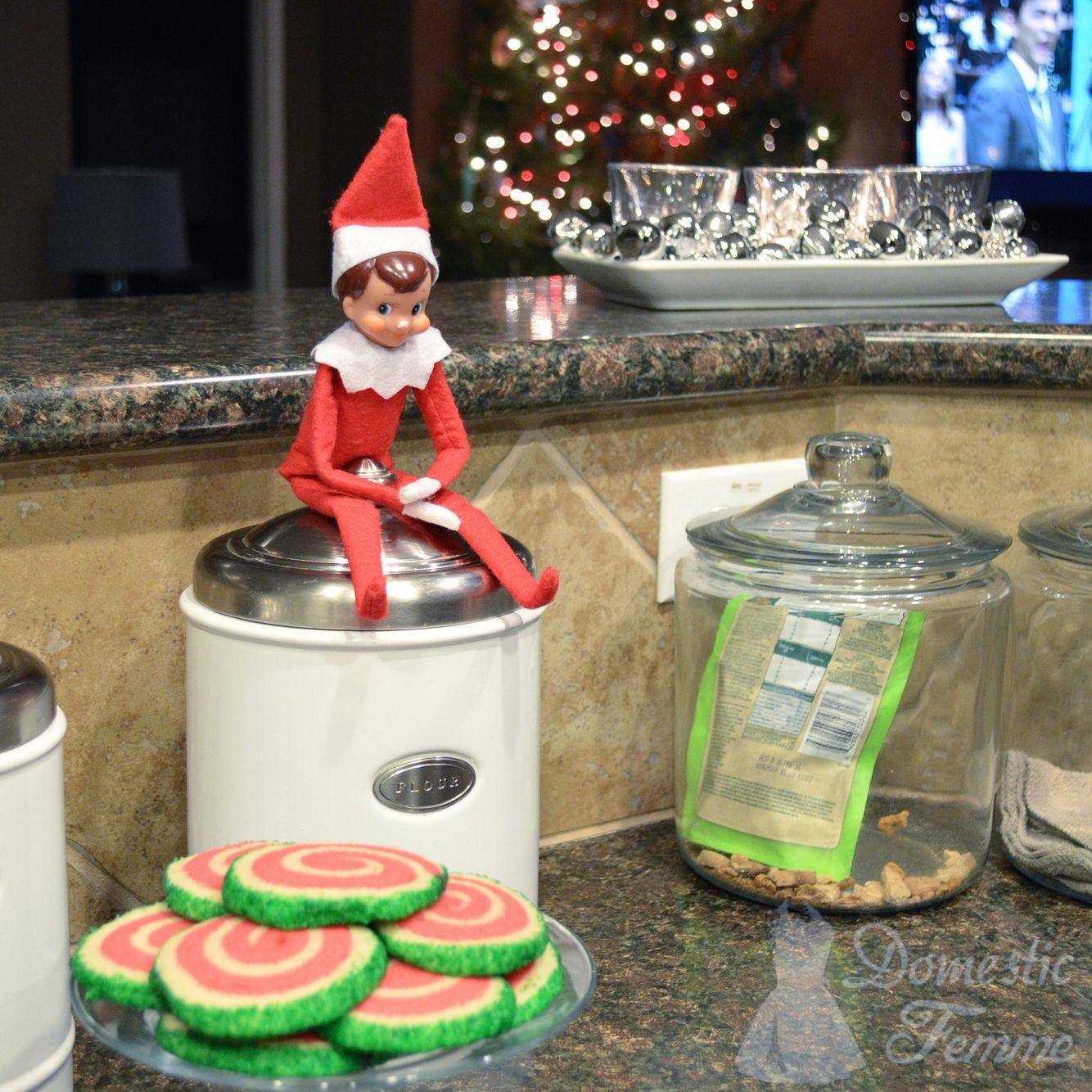 Christmas spiral, swirl Dr. Seuss looking cookies. Soooo ...