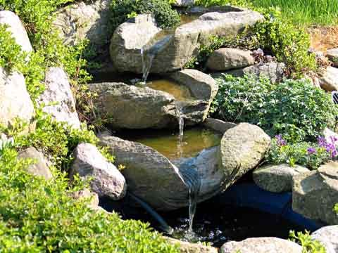 Small outdoor waterfall fountains waterfalls small for Small pond fountains