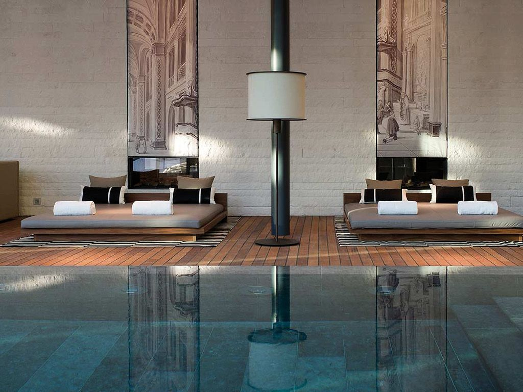 The chedi andermatt suisse piscine int rieure zen for Zen pool design