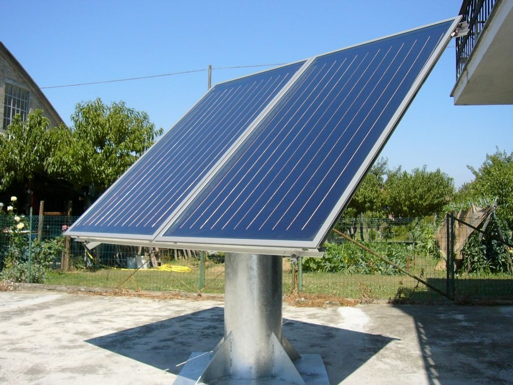 Solar Trackers Controlled By Software For Astronomical Tracking Tracking Accuracy Much Thrust Up To 0 0003 Alg Energia Solare Energia Risparmio Energetico
