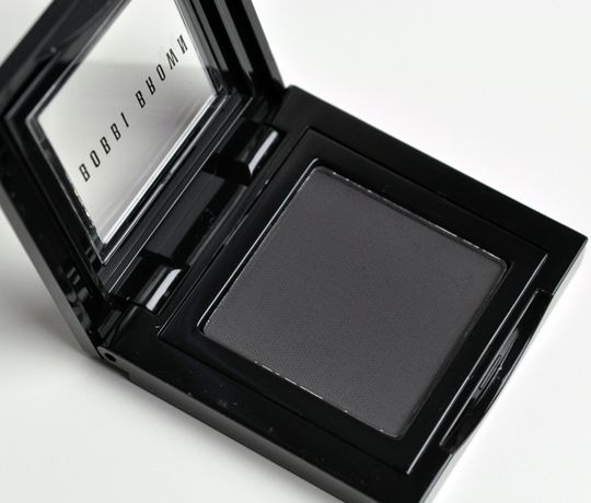 Contour eyeshadow for Cool Winters: Bobbi Brown Black Charcoal