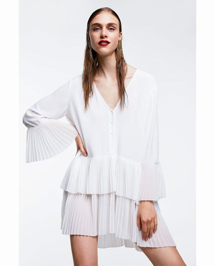 Comment Porter La Robe Blanche Elle Robe Blanche Robe Zara Idees Vestimentaires