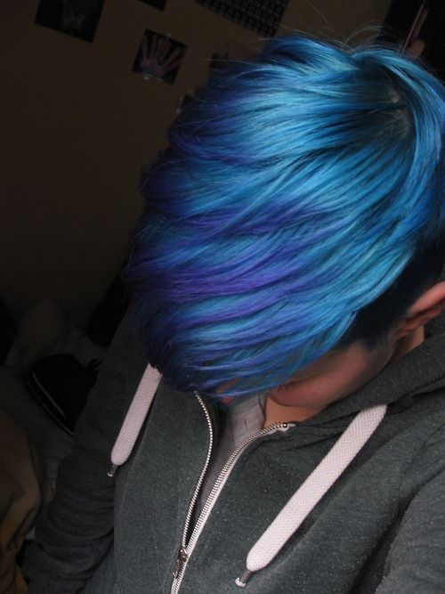 Blue Pixie Cut - love the color! Mix in a little more ...
