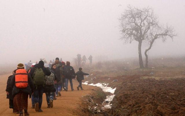 Bulgaria: Macedonia 'Closes Border with Greece to Migrants'