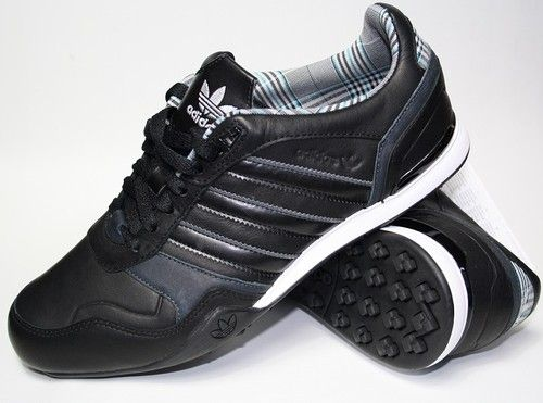 official photos e54e4 678aa NEW MENS ADIDAS ORIGINALS ZX COUNTRY II BLACK TRAINERS UK 6,5...FROM UK