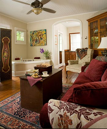 ***Asheville, NC Bed and Breakfast *** 4 Diamond Downtown