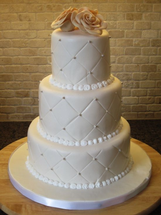 20 Unique Wedding Cakes with Whimsical Patterns and Textures ... : quilted wedding cake - Adamdwight.com