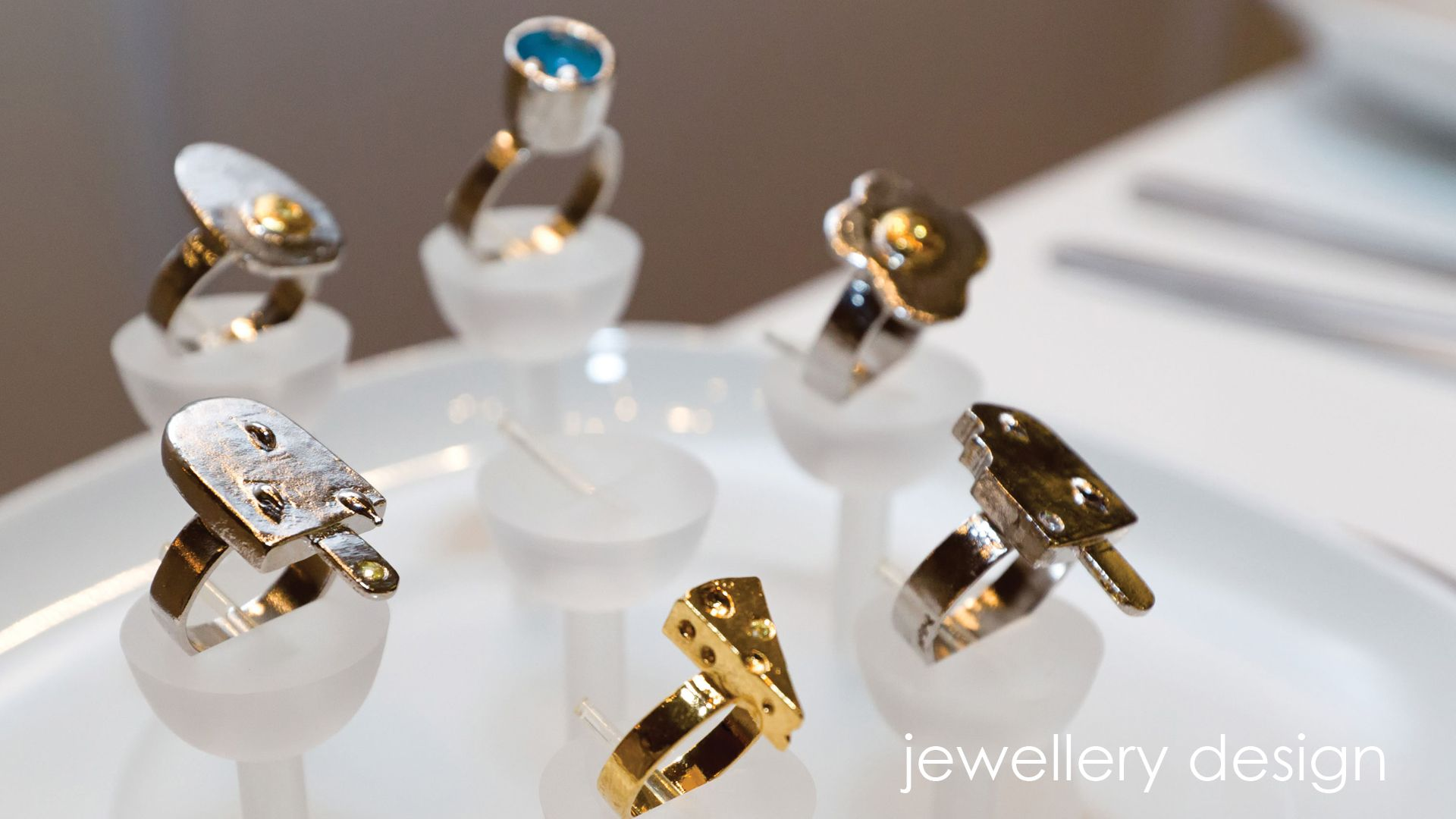 22++ Jewelry popular with college students information