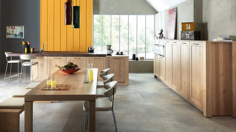 The Art Matter Kitchen Is Fitted With Units Comprising A Central Island Ending With A Kitchen Furniture Design Interior Design Kitchen Contemporary Kitchen