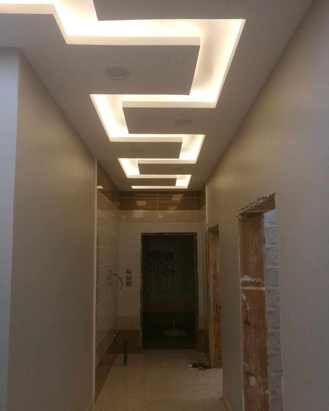 Modern Interior Decoration Living Rooms Ceiling Designs: False Ceiling Minimalist Herringbone Floors Foyer False