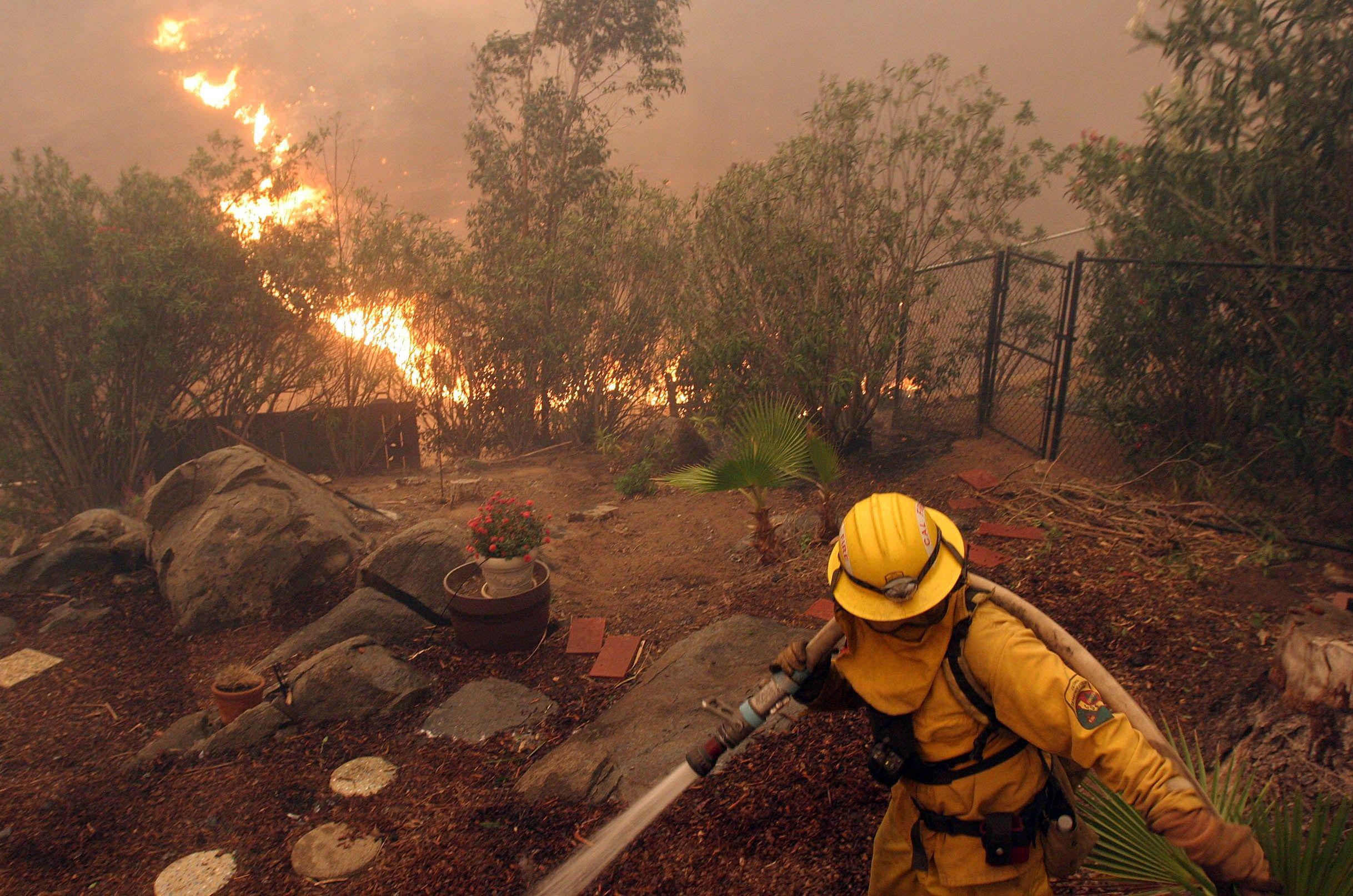 Free Desktop Firefighter Pic