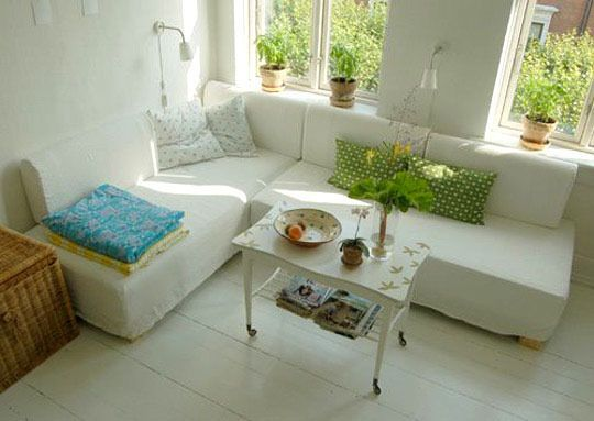 Trick of the Trade: Sectional Sofas in Small Spaces | Small spaces ...