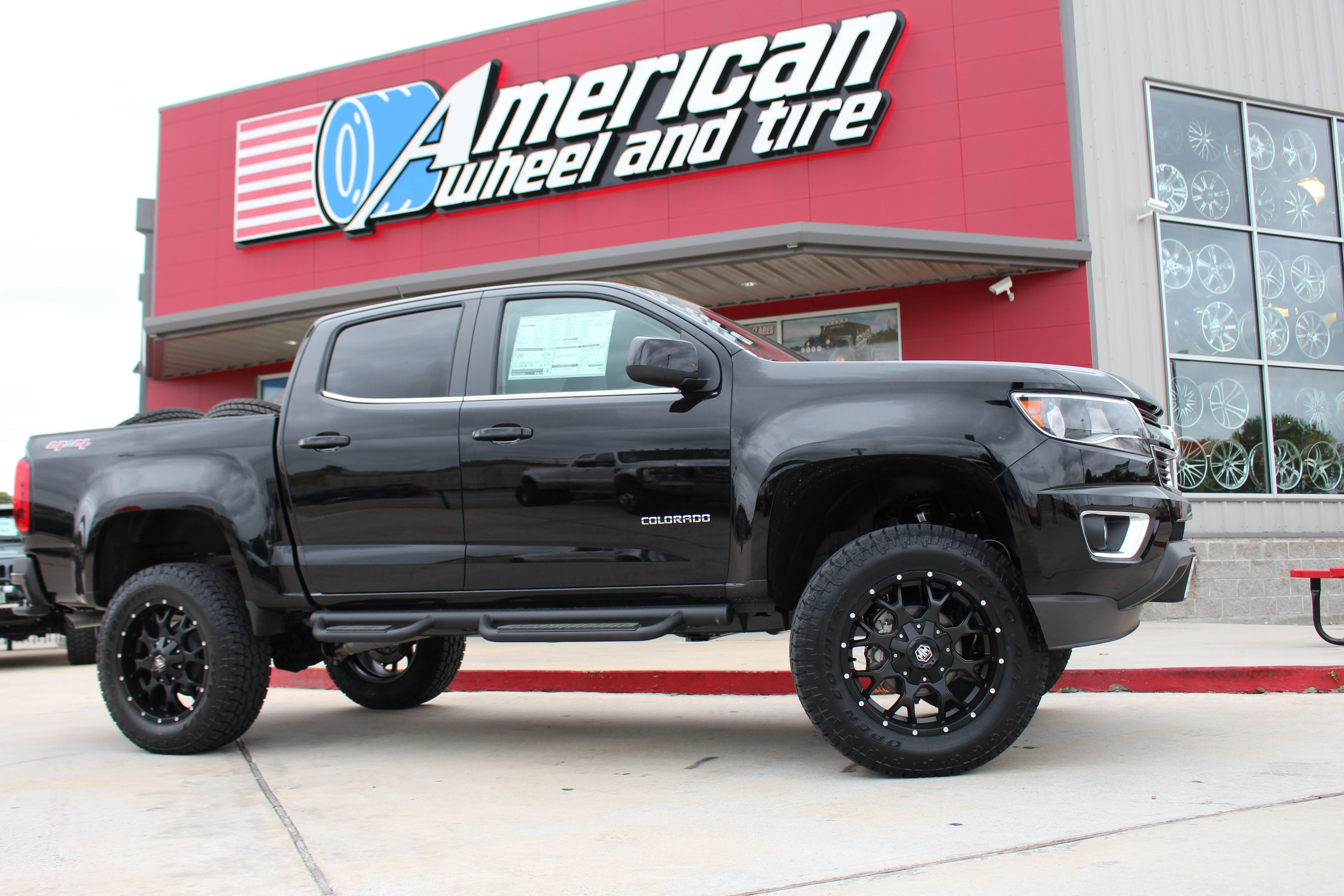 Rough Country Lifted Chevrolet Colorado Rolling On Toyo Tires