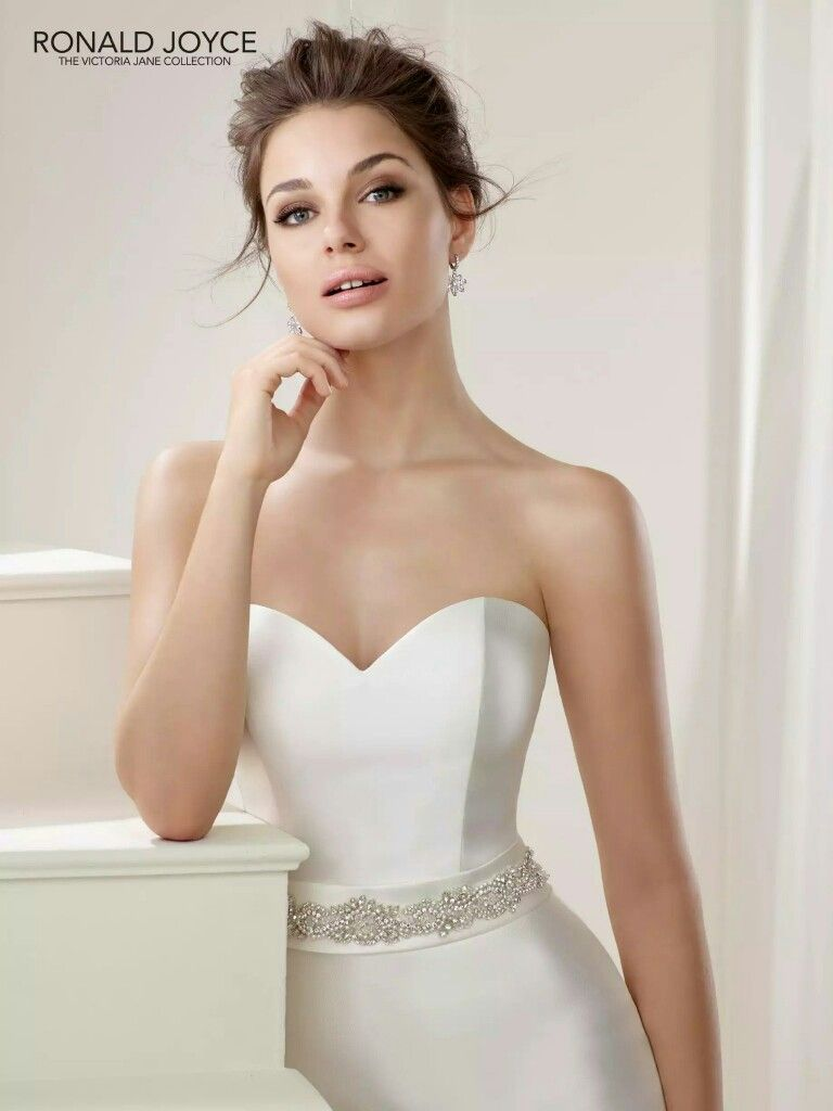 Fit and flare dress wedding  Pin by Vanda Desiree on Wedding dresses  Pinterest  Wedding