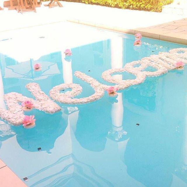 S A O R I On Instagram 結婚式 プール装飾 Welcomeは式場にお願いし 周りのお花を旦那さんに作ってもらいました 旦那さん ありがとう 本日無事に結婚式を終えることができました Pool Decor Decor Crafts Ikea Trofast