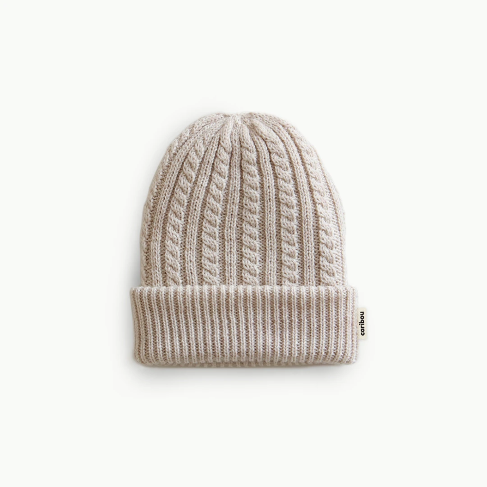 Doubled hand-knit hat to keep you or your little one warm in the cold season. 100% Merino Three sizes : Small(up to 50 cm head size)Large(50 to 60 cm head size)Adult(Adult) Delicate or handwash...