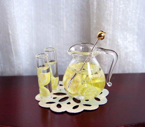 jug of iced lemonade