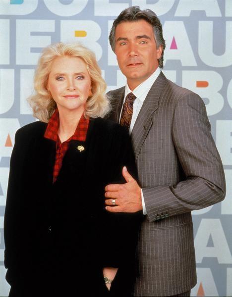 1987: Kauniit ja rohkeat -sarja alkoi, ja Stephanie (Susan Flannery) sekä Eric Forrester johtivat muotitaloa sekä sukua rautaisena parina.
