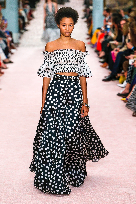 Collection   CAROLINA HERRERA SPRING 2019 - New York Fashion Week    65377f07710c