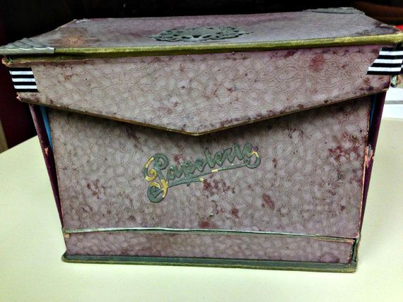 Its French, its cardboard, and its shabby.....need I say more?  I fell hard for this super shabby old French paperie box. It has metal