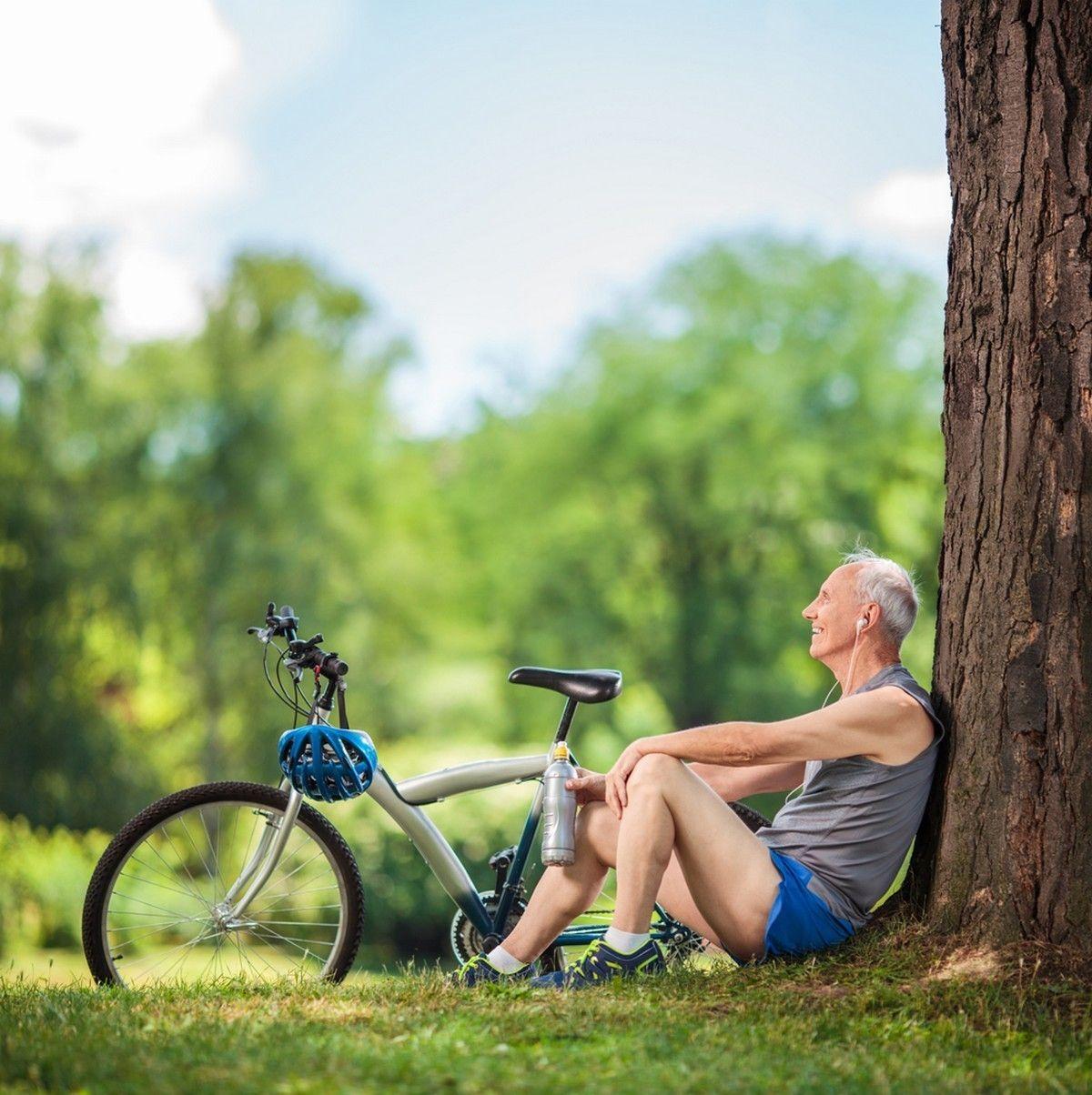 Personnes âgées juste 15 minutes d'activité par jour