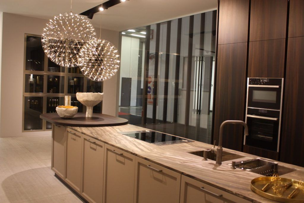 Must Have Elements For A Dream Kitchen Modern Kitchen Cabinets Sleek Kitchen Design Kitchen Decor Styles