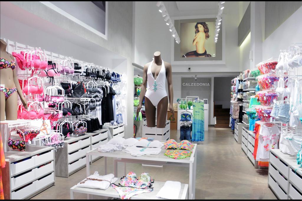 calzedonia shop - Google Search Tiendas Bikinis 2a183e15d7dd