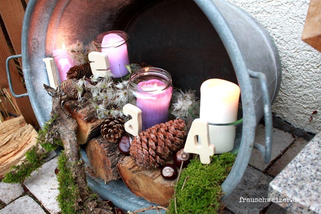 Einen Outdoor Adventskranz selbermachen- sieht toll aus! #weihnachtsdekohauseingangaussen