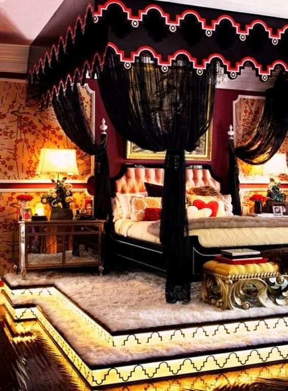 Gothic Bedroom Furniture For Sale. Traditonal Henkel Harris Mahogany 4  Poster Bed Queen Size.